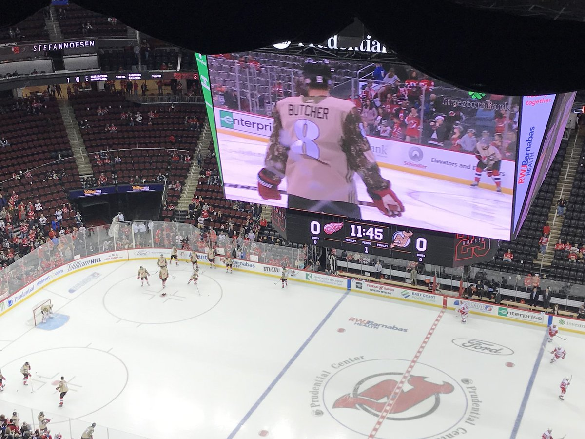 ... military themed warm-up jerseys with camo sleeves before the game.  Signed jerseys are being auctioned online at https   t.co fuhYwzzf6Z  through Nov. 16278d585