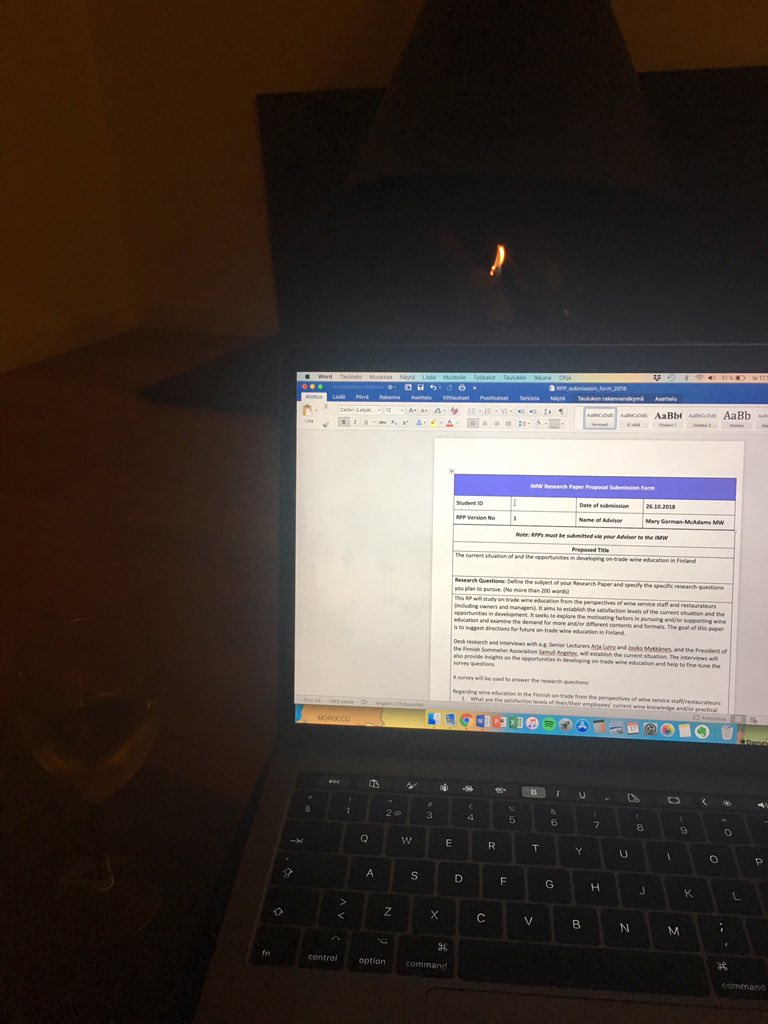 Pretending I'm relaxing with a glass of wine and a log fire. #studentlife <br>http://pic.twitter.com/1aw0JCI3qi