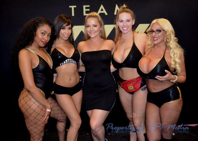 2 pic. #TeamTexass @EXXXOTICA New Jersey @teamtexass @Alexis_Texas @Yayy4Shay @TAYSTEVENS #exxxotica