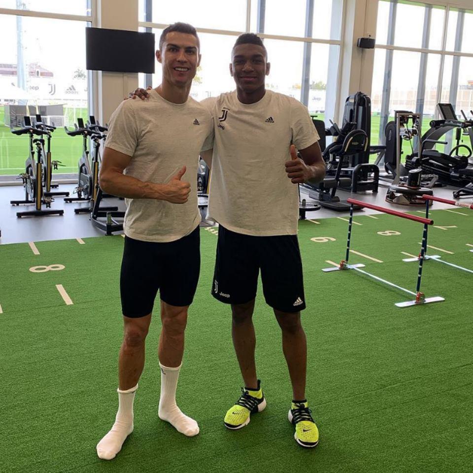 #Ronaldo Latest News Trends Updates Images - InvictosSomos