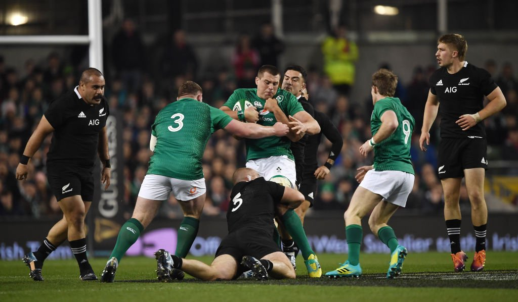 HT: Ireland 9-6 New Zealand  Three penalty kicks from Johnny Sexton see Ireland ahead at the break against the All Blacks.  Follow it here 👉 https://t.co/HmbHq0idS2 #bbcrugby #IREvNZL