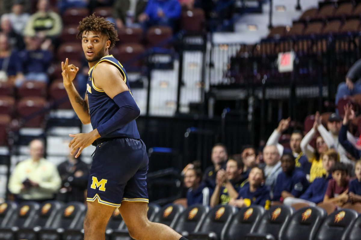 As a team, Michigan made 1⃣5⃣ 3-pointers, more than is season total of 10, and the most since it made 15 against Maryland (Feb. 24, 2018) #GoBlue 〽️🏀
