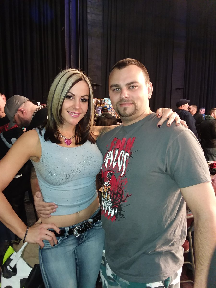 VelVelHoller photo