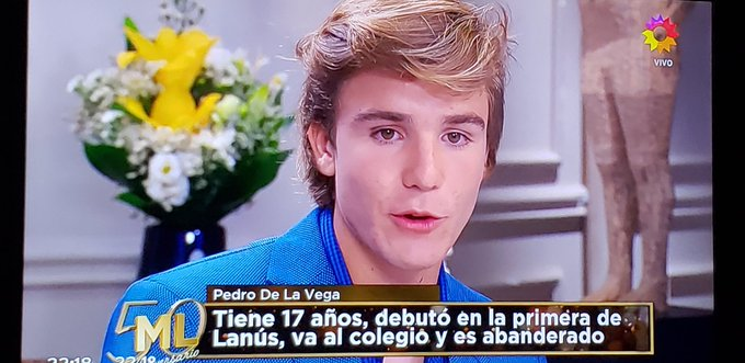 Pedro de la Vega, la joya de @clublanus Que tiene 17 años y que sigue estudiando por un mejor futuro. Te banco pibe!! #LaNocheDeML #PodemosHablar Foto