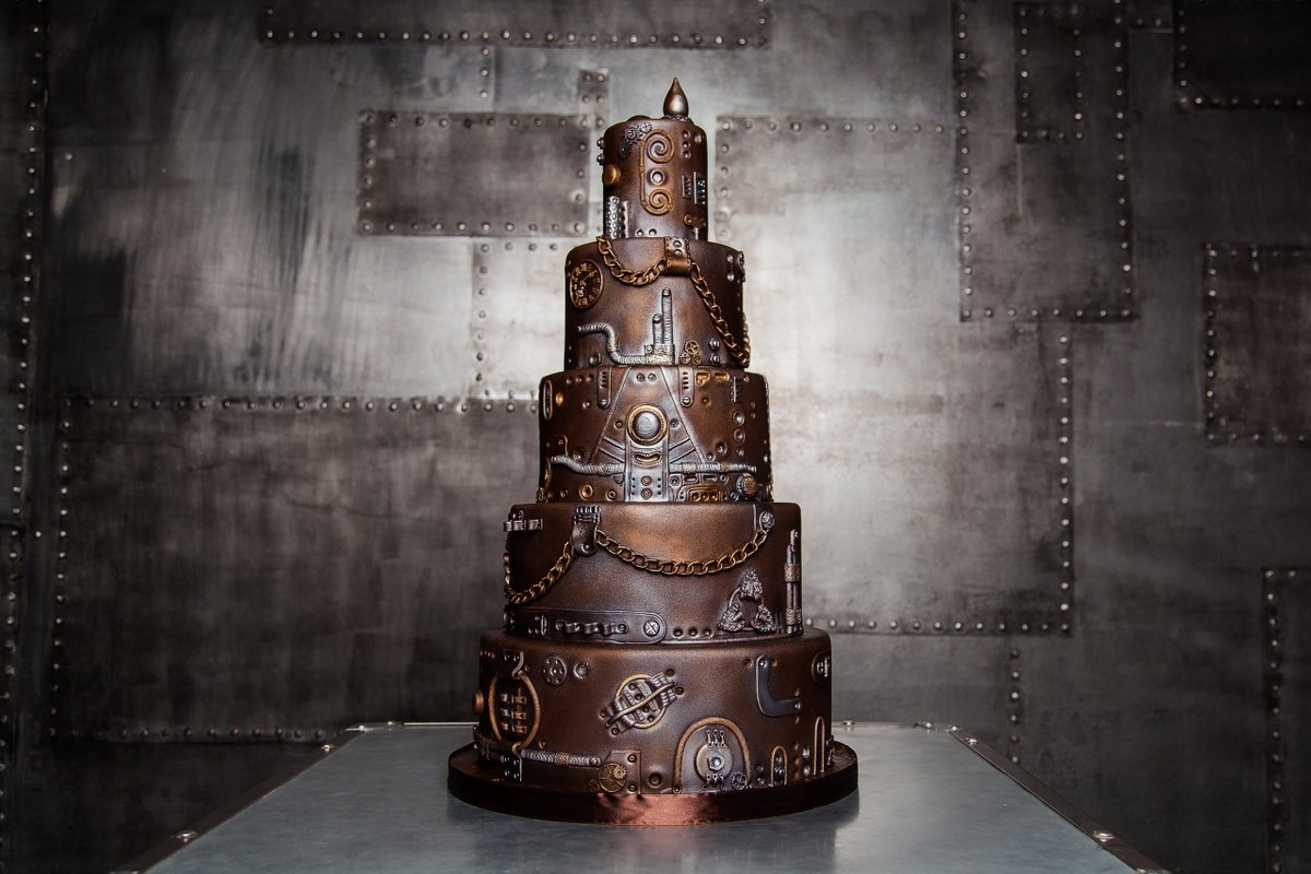 #Cake 🍰 Awesome of the Day: Bronze #Steampunk ⚙️ Pièce Montée #Weddingcake 💍 by Maria Magrat via @Steampunk_Hats #SamaCake 🎂