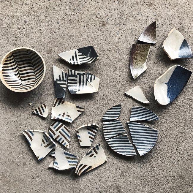 割れたお皿が蘇る!!欠けらを繋ぎ合わせる技法が素晴らしい!!