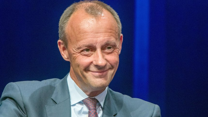Friedrich Merz über sein Einkommen: 'Heute verdiene ich eine Million Euro' https://t.co/SwiPPt4ytA