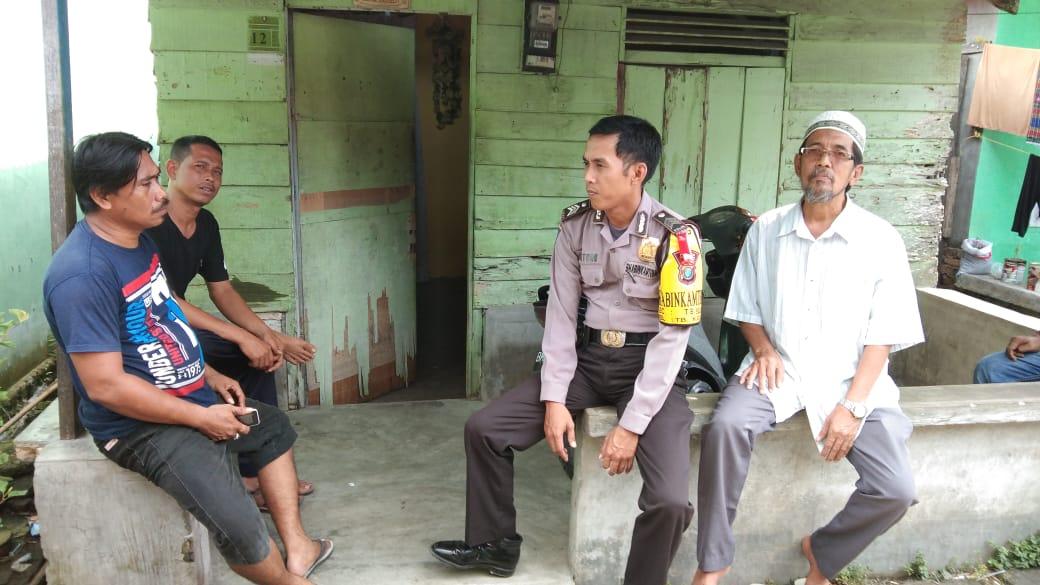 Bhabinkamtibmas Kel. TB Kota 1 Sambangi Rumah Warga Sampaikan Pesan Kamtibmas