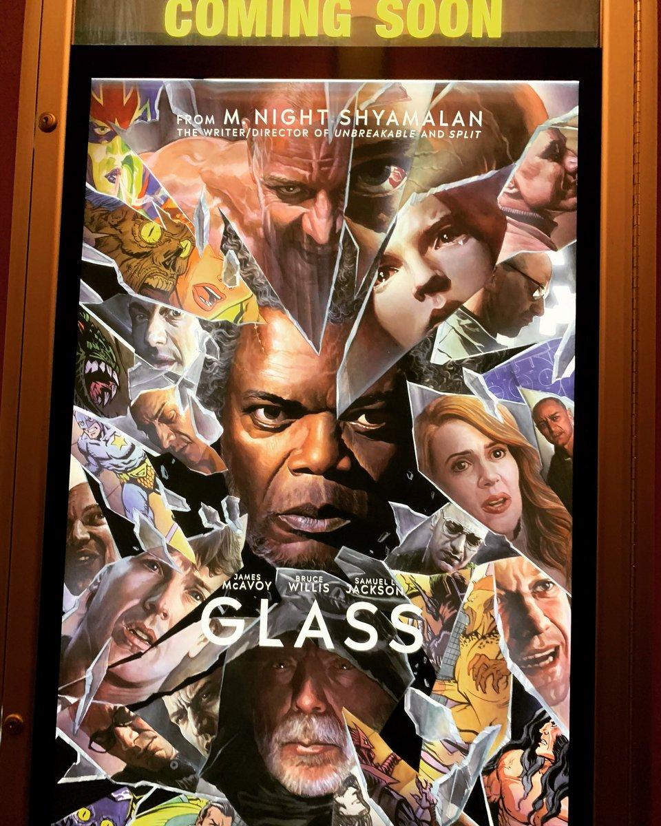 Spotted at the theater! #glassmovie @GlassMovie @MNightShyamalan @SamuelLJackson<br>http://pic.twitter.com/3E3AbzZxFC