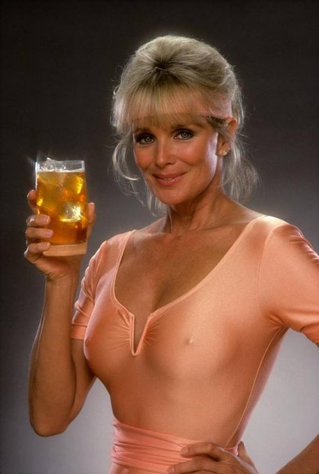 HAPPY BIRTHDAY LINDA EVANS - 18. November 1942. Hartford, Connecticut, USA