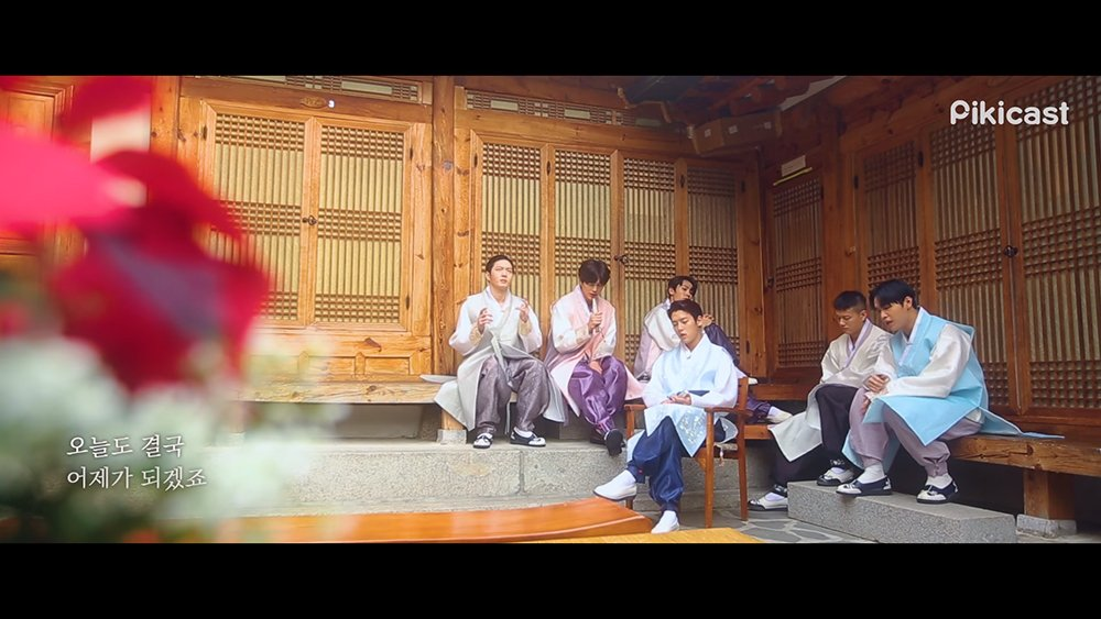 BTOB stuns with their amazing vocals in hanbok for 'Pikicast Live' https://t.co/FvsUhK1xAS