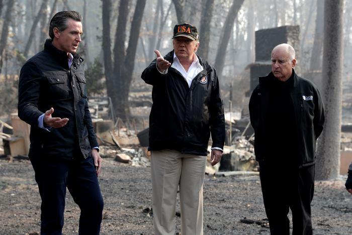 Trump visita zona devastada por el gigantesco incendio en California https://t.co/jaoU9Hk0Zf