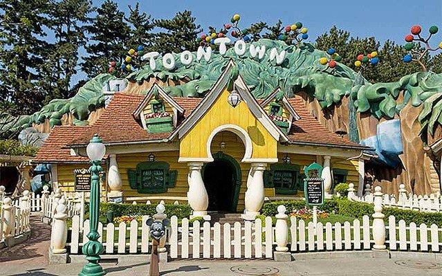 【凄い】ディズニーランド「ミッキーの家」、最大11時間待ちに https://t.co/CcJqxfmgqo  運営会社は「公式な記録はないが、聞いたことがない」としている。ミッキーマウスはきょう18日で誕生から90周年を迎えた。