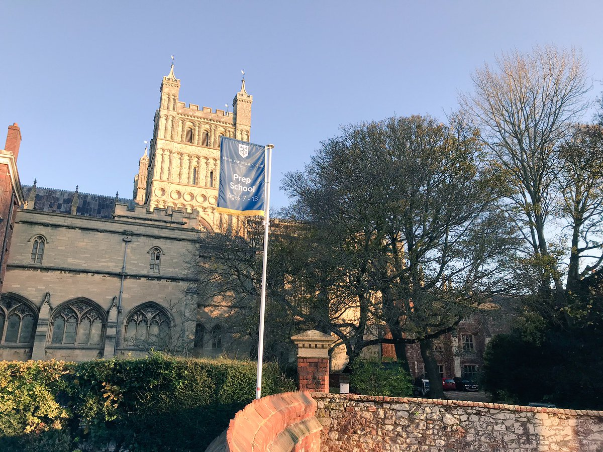 Glorious morning here as our boarders nip across the road to @ExeterCathedral to rehearse for this morning's service. #exeter #lovedevon #choristers #iloveboarding https://t.co/gMEsEtGnE3