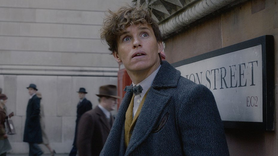 Box office: 'Fantastic Beasts 2' No. 1 with $62M for $253M global launch https://t.co/PKUrSIVtgt https://t.co/zEUu5ebnaE