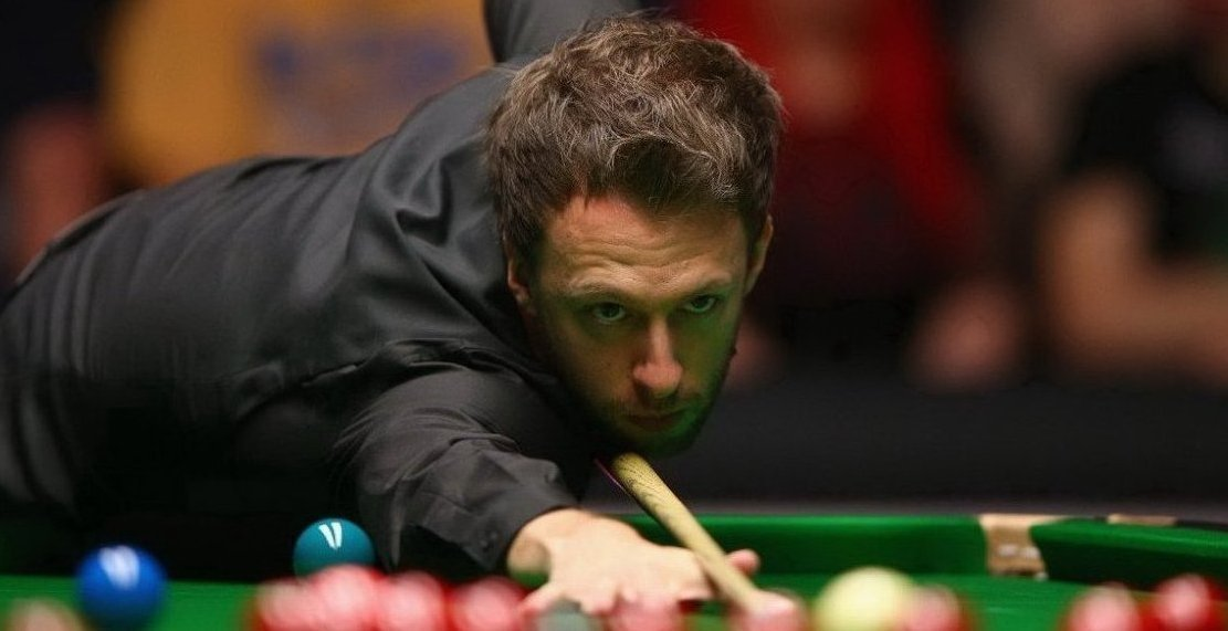 The first frame between Ronnie O'Sullivan and Judd Trump:  ✅ Toilet stop ✅ 64 break for Ronnie ✅ Safety battle ✅ Judd wins it on the black  What a start.