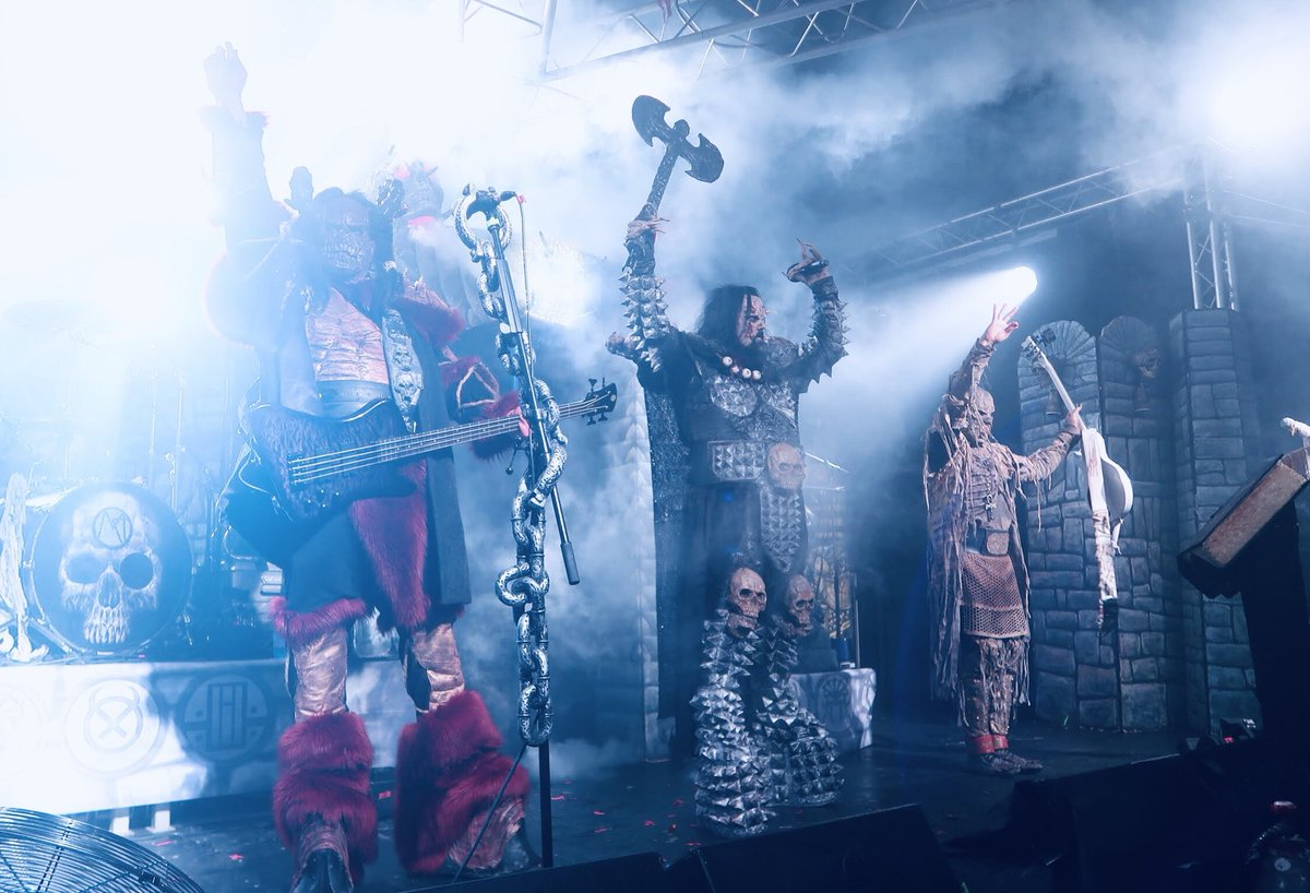 Danke schön, Leipzig! Ludwigsburg tonight!  📷 @Cho_TheRedFlash #lordi #sexorcism #germany #leipzig #ludwigsburg #live #metal #hardrock #music #monsters #horror #finland #music #sextourcism #sexyzone https://t.co/5maWJ00dwK