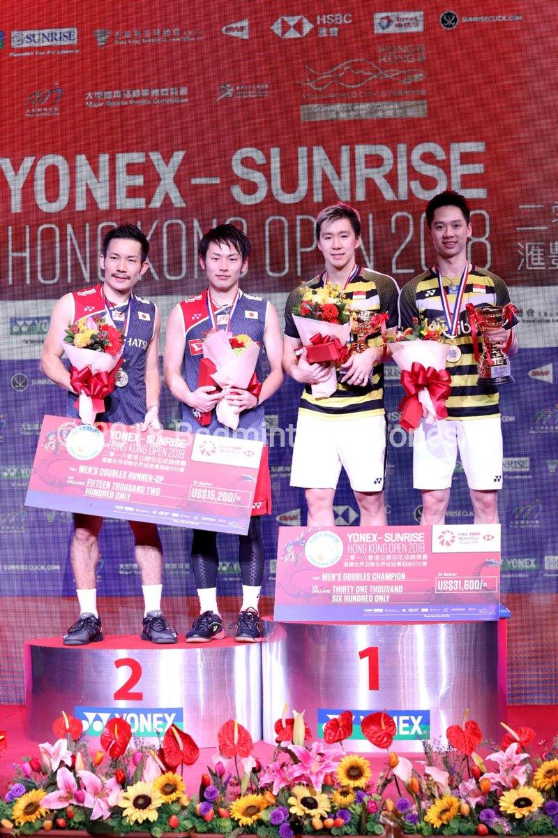 Marcus Fernaldi Gideon/Kevin Sanjaya Sukamuljo dan Takeshi Kamura/Keigo Sonoda di podium Hong Kong Open 2018, Minggu (18/11/2018).