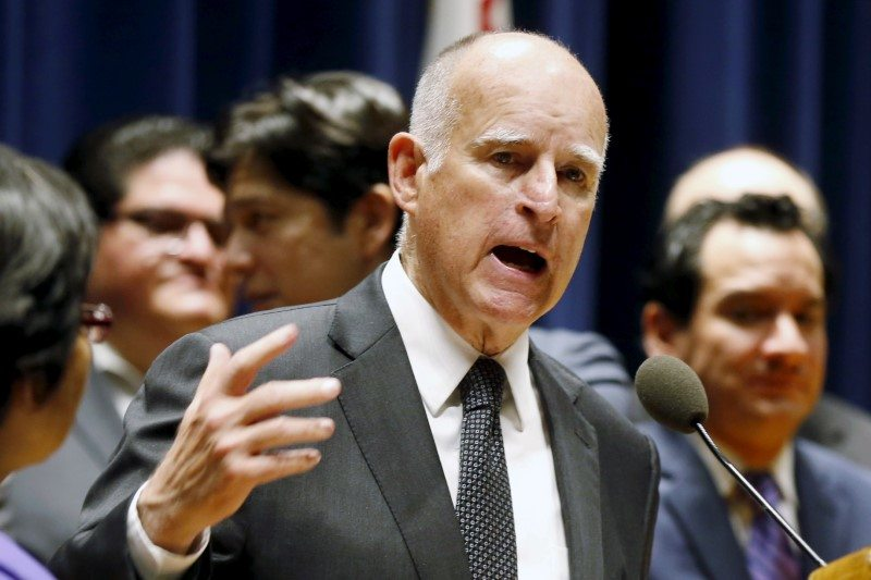 Gov. Brown Says Fires Will Make the Worst Climate Skeptics Into Believers dlvr.it/QrX3p4