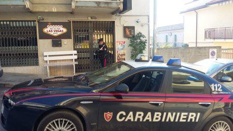 Invitato a spegnere la sigarette reagisce sparando al titolare del bar, fuga e caccia all'uomo - https://t.co/Pdtvg9sd0g #blogsicilianotizie