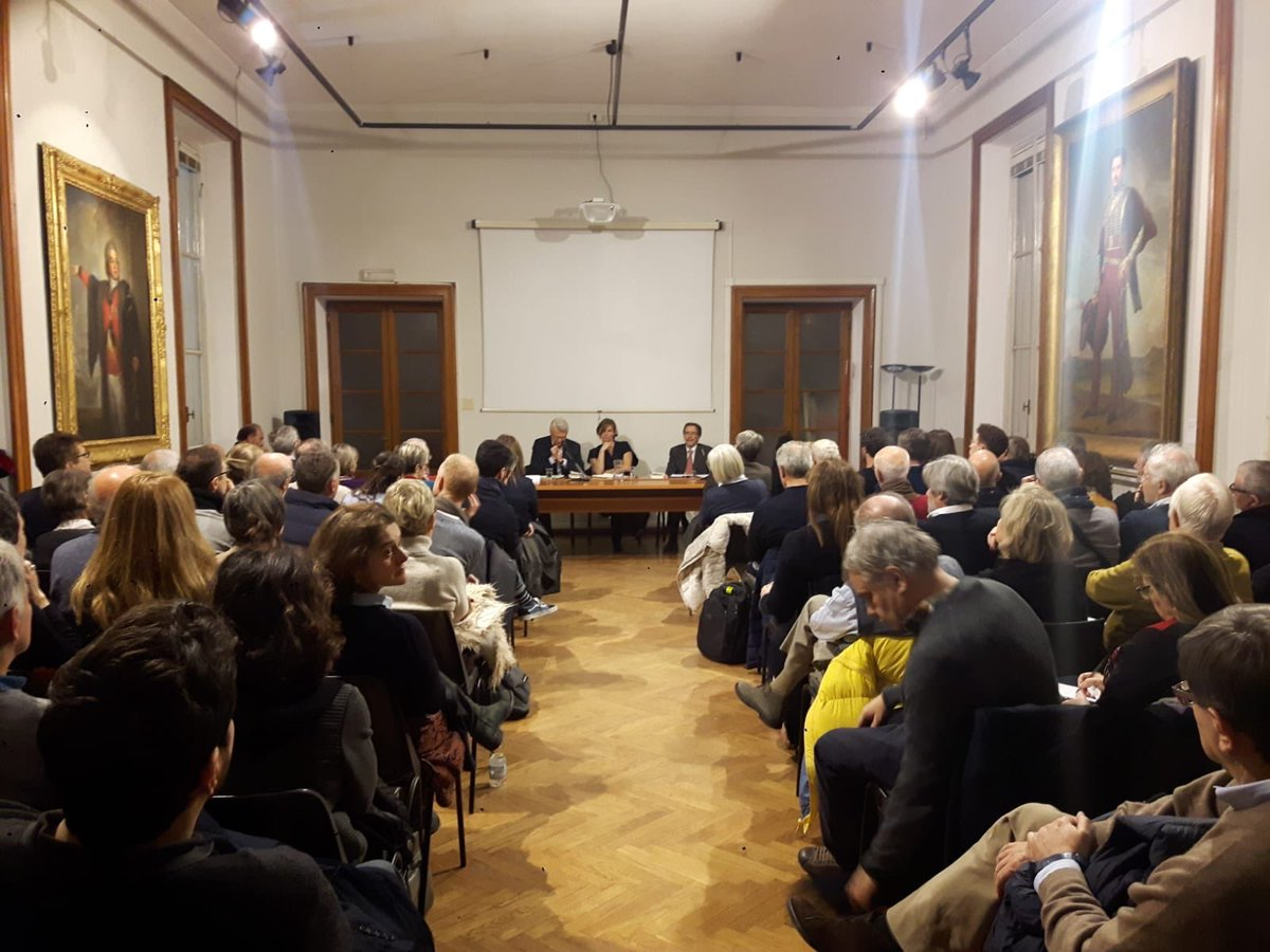 test Twitter Media - Full house in Milan tonight (at the Museum of the Risorgimento) for launch of the Italian translation of my book 'The Value of Everything': Il Valore di Tutto! @editorilaterza #BCM18 https://t.co/lOqHHzZeYM