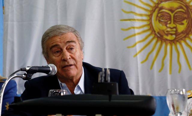 Governo da Argentina diz que não há tecnologia para retirar submarino https://t.co/LucqojMCvL  📷 Martin Acosta/ Reuters ©