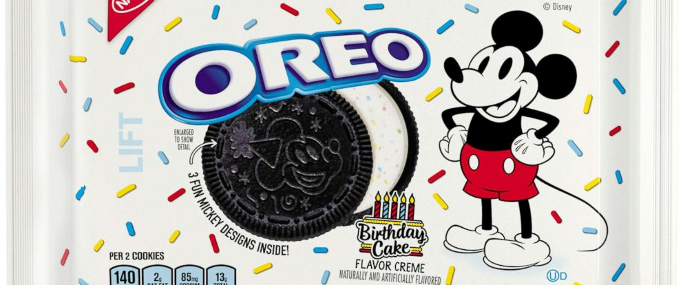 New birthday cake-flavored Oreos celebrate Mickey Mouse's 90th birthday! https://t.co/DjTN94TCB5 https://t.co/QjOt7QoDo9