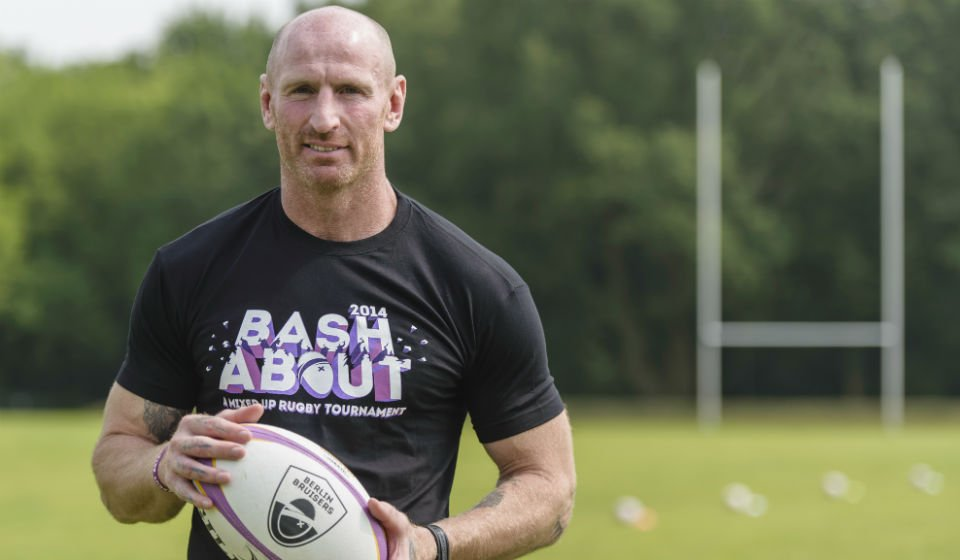 L'ancien rugbyman Gareth Thomas victime d'une agression homophobe https://t.co/rs80gyYQMZ