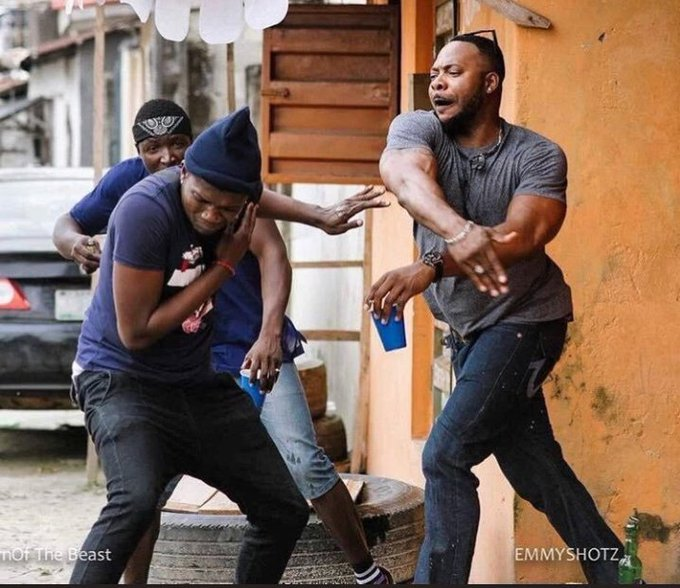 IPhone ring tone sounds Brain : Dont do it Dont do it Dont do it Dont do it Dont do it Dont do it Dont so it Me : Pulls out Tecno Phone Squad