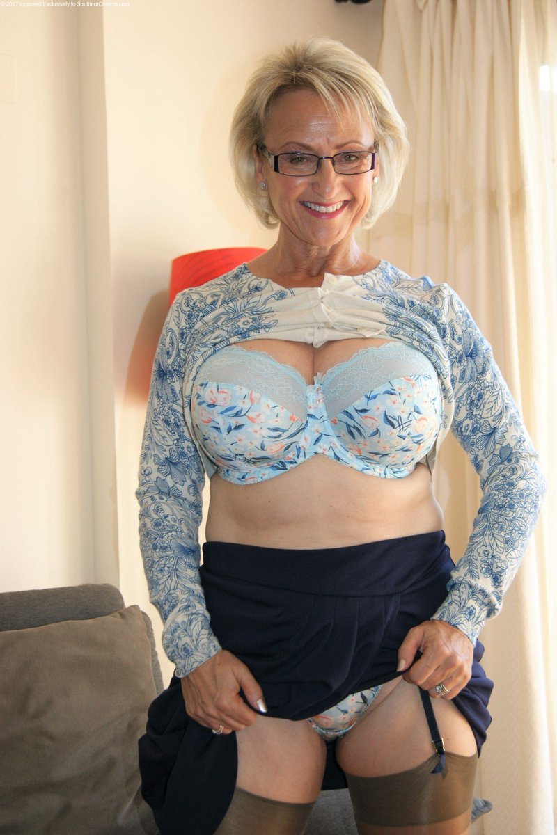 busty mature amateurs twitter