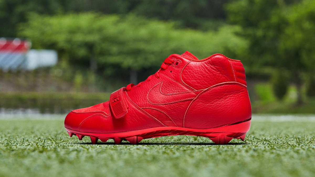 All-Red Nike Air Trainer 1-inspired pregame cleats for @obj today. Don't miss him on a very special edition of Sneaker Shopping tomorrow. 👀