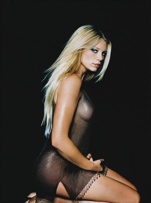 HAPPY BIRTHDAY PETA WILSON - 18. November 1970.  Sydney, New South Wales, Australia