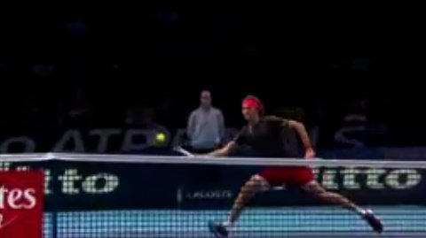 It's stride-for-stride at the O2, as #Zverev holds to even the contest at 2-2.
