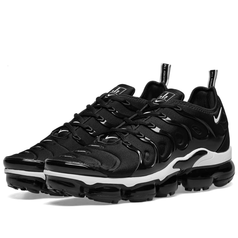 hot sales 42a45 b9dfd MoreSneakers.com on Twitter: