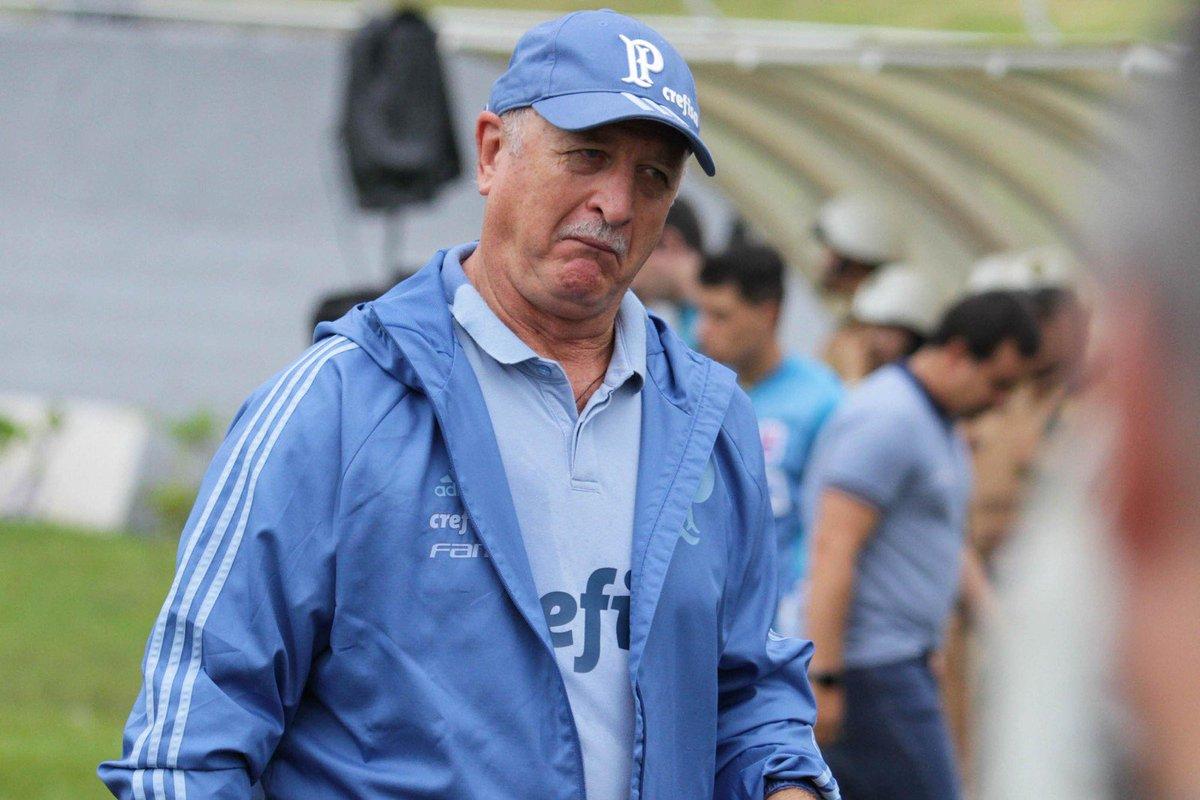 Felipão sente ansiedade dos jogadores, nega clima de festa e minimiza recorde do Palmeiras https://t.co/PRtdWJ9FwV