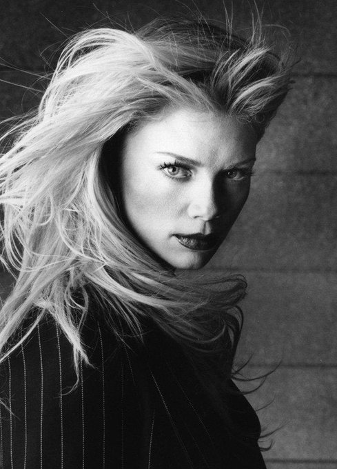Happy Birthday, Peta Wilson! (Nov. 18, 1970)