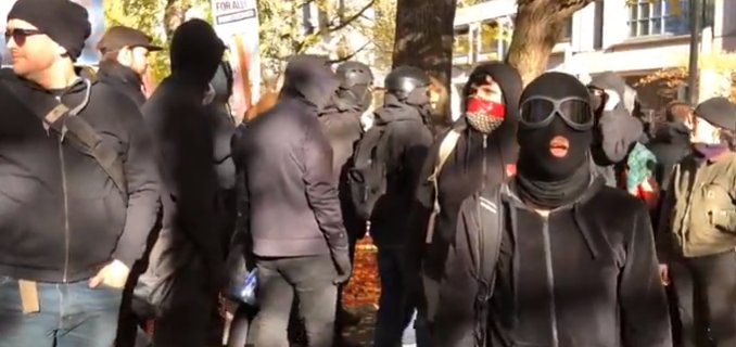 Journalist Says He Was 'Assaulted' As Portland Antifa Clash With Police And #HimToo Rally Participants https://t.co/SQMdhnXgBm