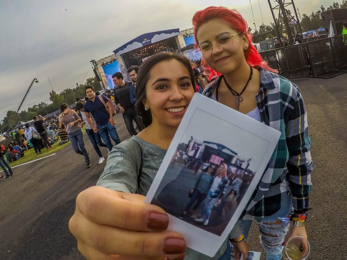 ¿Y tú ya tienes LA foto que conservarás para siempre? 📸👭💞 #CoronaCapital18