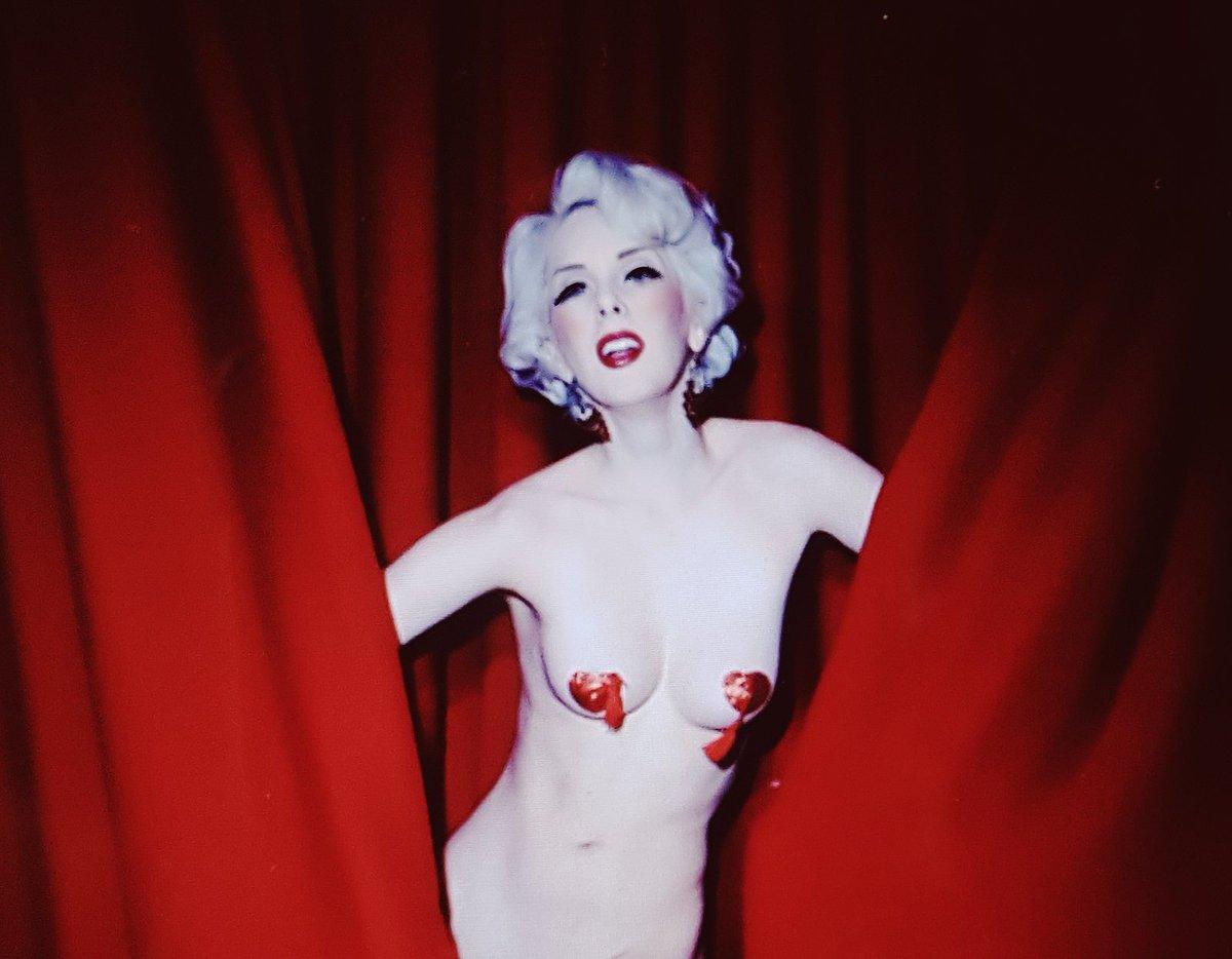 Nicole Melrose Nude Photos 22
