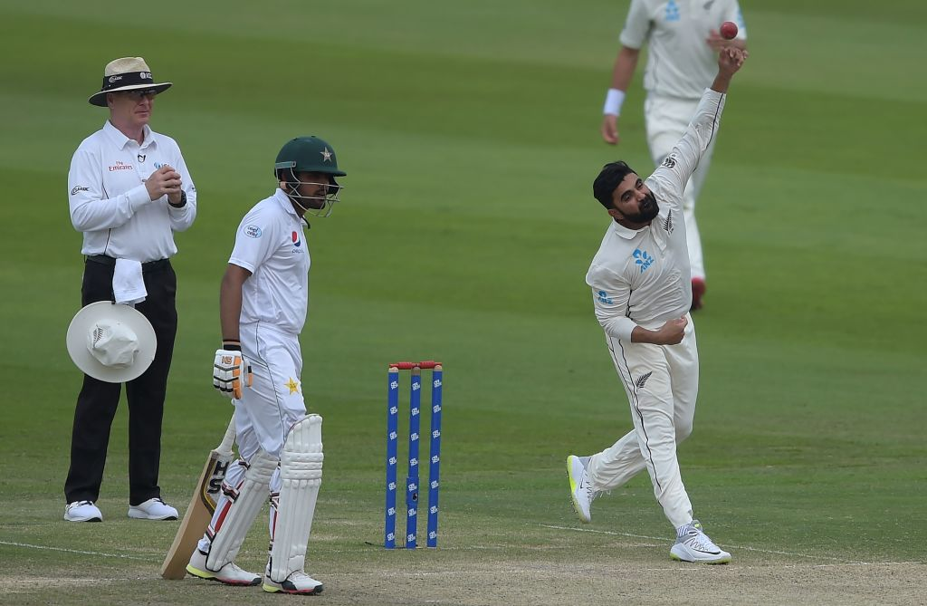 Huge appeal for LBW..given!  Ajaz Patel traps Azhar Ali in front of the stumps and New Zealand win by four runs!  Pakistan were 147/4 but have collapsed to 171 all out. How good is Test cricket?!  #PAKvNZ LIVE ⬇️ https://t.co/0a9thVayXj