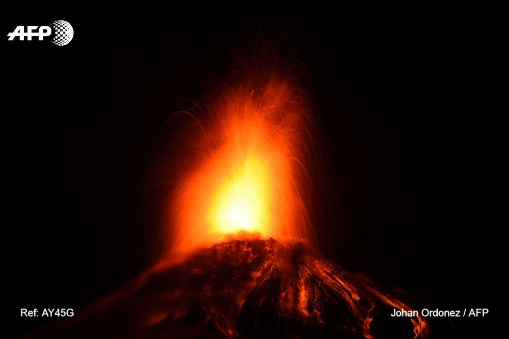 Alerta roja en Guatemala por la erupción del volcán de Fuego #AFP https://t.co/S3Lx90A32N