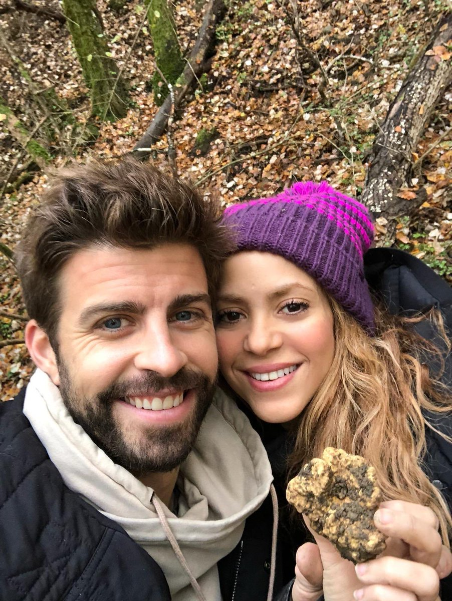 .@shakira celebrates end of #ElDoradoTour on a truffle quest with husband #GerardPiqué after opening two more schools in Colombia!🙌 👏 🏫🏫🇨🇴👑😍 #Shakira  https://t.co/yqqBqggkGw