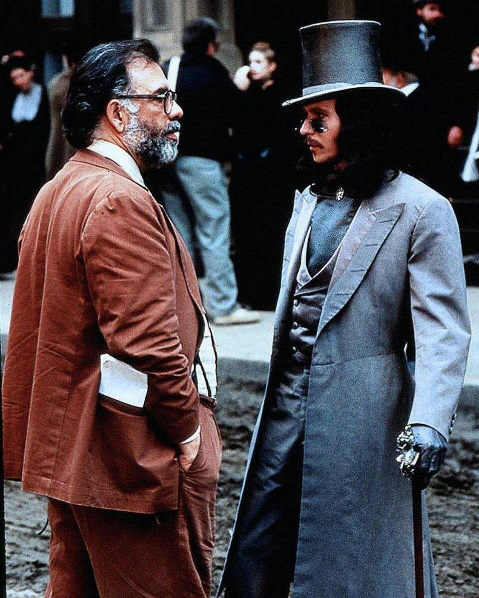 فرانسیس فورد کاپولا و گری اولدمن در پشت صحنه فیلم «دراکولای برام استوکر»  🎬 Bram Stoker's Dracula (1992)  فیلمبازان https://t.co/5nwPytfnIb