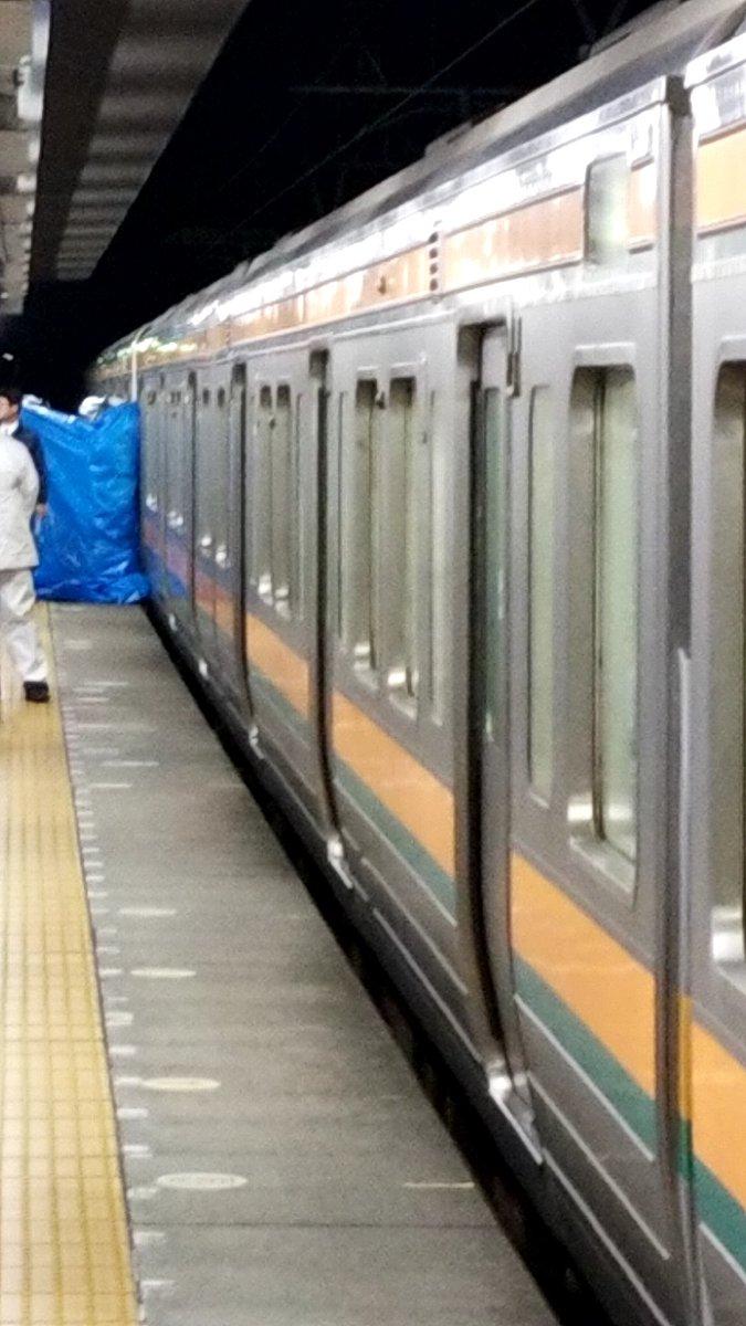 東海道本線の清水駅で人身事故 ブルーシートで隠し救護活動