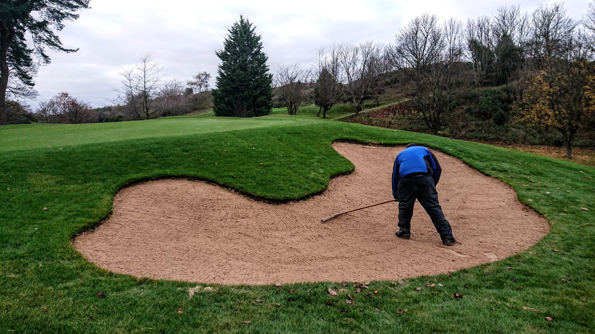 test Twitter Media - Well on the way to finishing off the initial layer of sand in the new bunkers. Just got holes 3, 7 and 16 to go. https://t.co/jfPzGx2pIZ