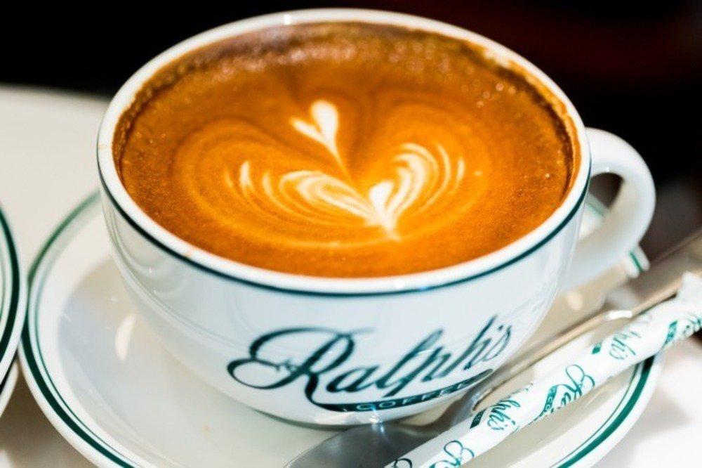 ラルフ ローレンのカフェ「ラルフズ コーヒー」 表参道に日本初上陸、オーガニックコーヒーや限定グッズ - https://t.co/61gA9qudf8