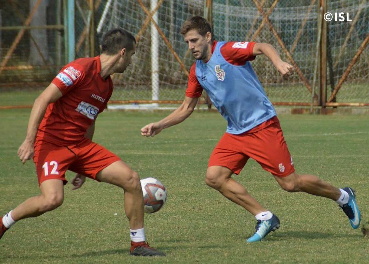 DsX7UdgU0AAR4QV - ATK's Emiliano Alfaro Suffers Ankle Injury, Uncertain For Next Matches