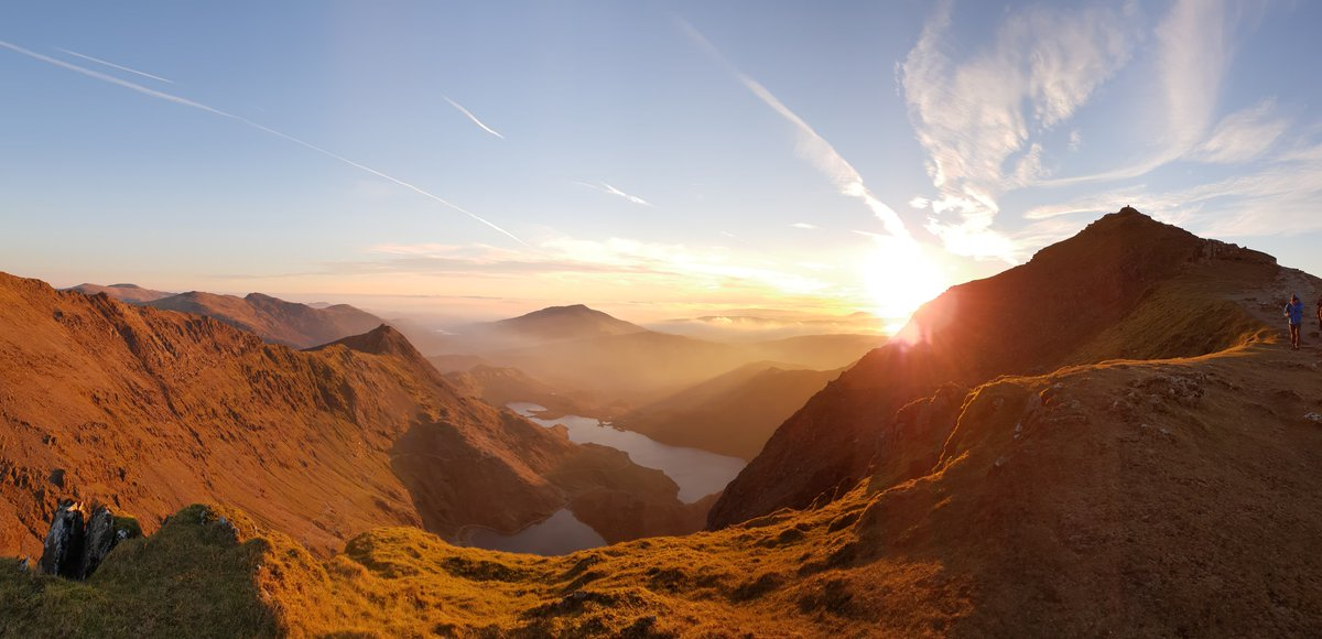 test Twitter Media - RT for #MondayMotivation - #sunrise on #Snowdon summit yesterday 😍 Thanks to Gav Williams for this stunning pic 📸 #Snowdonia @visitsnowdonia  @visitwales @VisitBritain https://t.co/pgc76PSuoH