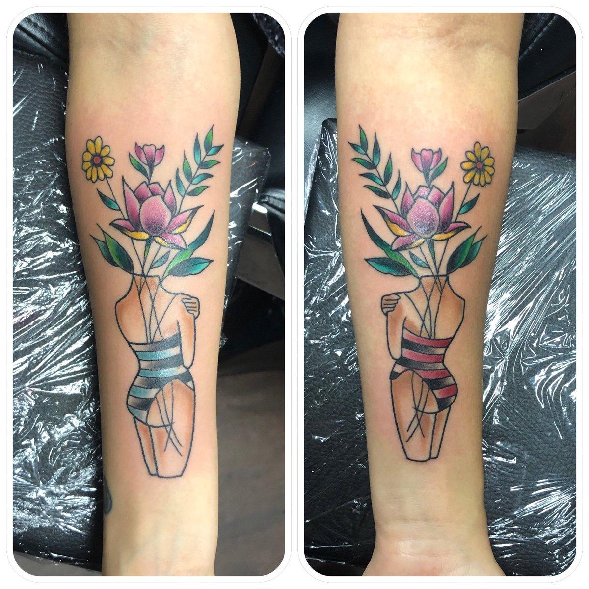 Red Rose Tattoo On Twitter De Liefde Van Zussen