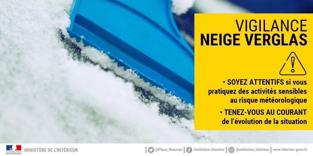 ❄️@meteofrance prévoit un épisode neigeux cette nuit et demain, si vous prenez la route : Soyez vigilant et adoptez les bons réflexes #neige #IledeFrance Pour suivre en direct, rendez-vous sur : meteofrance.com/previsions-met… https://t.co/oStSXS3tLP